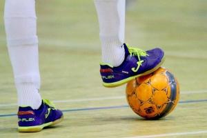 В чемпионате Каменска-Уральского по мини-футболу неожиданно сменился лидер