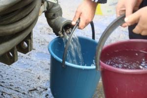 Из-за коммунальной аварии к двум многоквартирным домам в Каменске-Уральском сегодня организуют подвоз питьевой воды