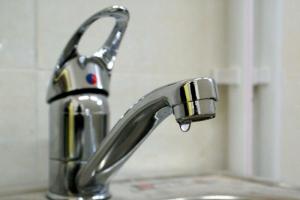 Почти десяток домов в Синарском районе Каменска-Уральского два дня подряд будет оставаться без холодной воды