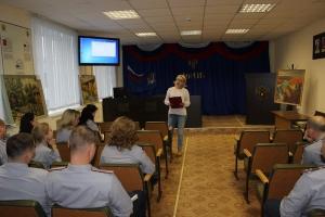 Городской выставочный зал Каменска-Уральского открыл передвижную выставку пейзажей в колонии №47